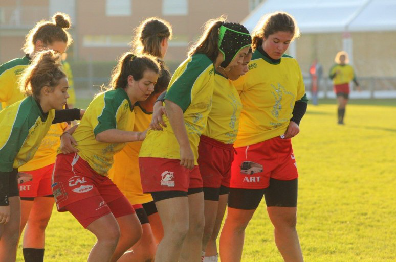 La fête du rugby féminin à Tarbes
